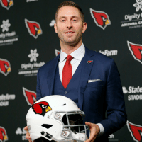 Head, Memes, and 🤖: Dignity  State  STADI New @AZCardinals head coach... @KliffKingsbury! https://t.co/vHQOOqSspQ