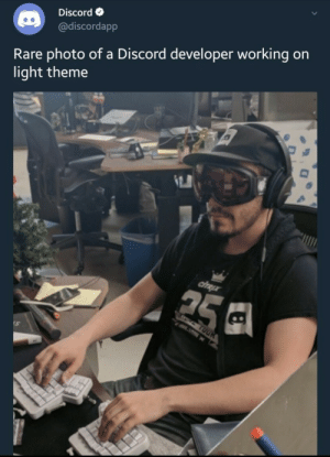 awesomesthesia:  Discord is N I C E: Discord  @discordapp  Rare photo of a Discord developer working on  light theme  ЧПЦА  ciTRux  25  אמ ותת awesomesthesia:  Discord is N I C E