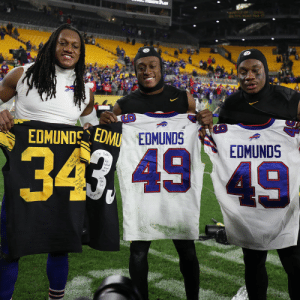 3 brothers. 2 teams. 1 family.  @maine_savage23 @rell_island6 #BUFvsPIT https://t.co/KdwfZKvHor: DN PPE ROAE POR  EDMUNDS  EDMU EDMUNDS  Krep Ballay  EDMUNDS  We  taked  Keep  gnrding  dont  tis  49  Love  you  Bey!  Love  Ne Made t!  Big Dream  We A 3 brothers. 2 teams. 1 family.  @maine_savage23 @rell_island6 #BUFvsPIT https://t.co/KdwfZKvHor
