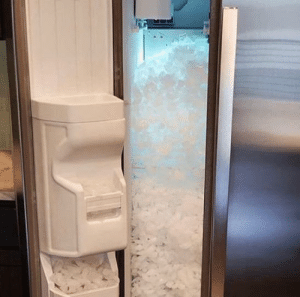 Do not Store dry ice in your freezer it doesn't end well.: Do not Store dry ice in your freezer it doesn't end well.