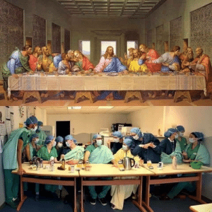 Doctors take advantage of their time during the quarantine Simulated da Vinci painting The most famous dinner in the world: Doctors take advantage of their time during the quarantine Simulated da Vinci painting The most famous dinner in the world