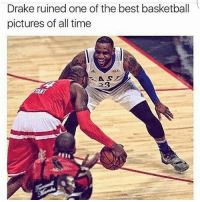 Trust Drake to be acting like a cheerleader 😂😂😂😂 comepartyonarealpage 🙌: Drake ruined one of the best basketball  pictures of all time Trust Drake to be acting like a cheerleader 😂😂😂😂 comepartyonarealpage 🙌