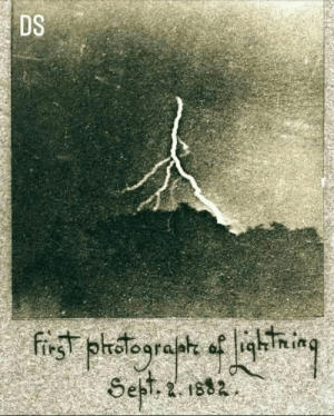 Sept: DS  first plotograpte of lighTn in  Sept. 2. 1882.