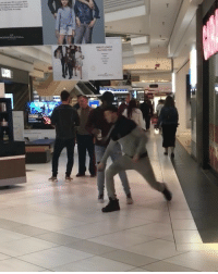 Dude, Memes, and Worldstar: Dude was annoyed he got hit with the spin move 🌪😂😤 @kushpapi_ @worldstar WSHH