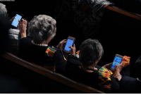 During President @realDonaldTrump's State of the Union address, Democratic congresswoman @repbrendalawrence was caught playing Candy Crush on her phone.: During President @realDonaldTrump's State of the Union address, Democratic congresswoman @repbrendalawrence was caught playing Candy Crush on her phone.