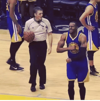 Andre Iguodala gets a T for mocking an uncalled travel violation by Mike Conley. (via WorldofIsaac): , e»へ  フ. Andre Iguodala gets a T for mocking an uncalled travel violation by Mike Conley. (via WorldofIsaac)