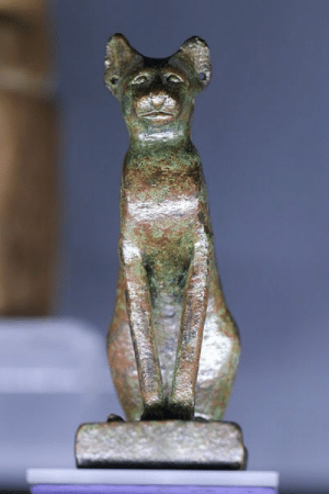 egypt-ancient-and-modern:  Goddess Bastet: egypt-ancient-and-modern:  Goddess Bastet