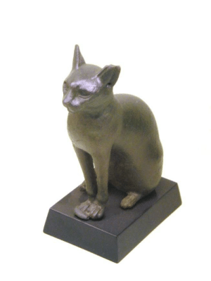 egypt-ancient-and-modern:  Statue of the Ancient Egyptian goddess Bastet: egypt-ancient-and-modern:  Statue of the Ancient Egyptian goddess Bastet