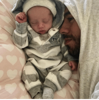 Enrique Iglesias is giving the world a first glance at one of the twins he and Anna Kournikova had. 👶 enriqueiglesias tmz annakournikova twins: Enrique Iglesias is giving the world a first glance at one of the twins he and Anna Kournikova had. 👶 enriqueiglesias tmz annakournikova twins