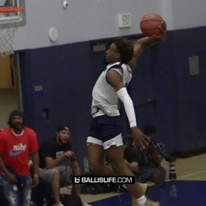 Bronny James just had his first in game dunk as a high schooler with dad watching!! @KingJames https://t.co/PRhw8wfmlL: ENT  ke  BALLISLIFE.COM Bronny James just had his first in game dunk as a high schooler with dad watching!! @KingJames https://t.co/PRhw8wfmlL