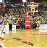 Memes, Nba, and 🤖: ETIHAD  116  HARBEM  Red Cro Should the NBA add a 4pt line? Go follow the legendary @harlemglobetrotters for more insane dunks, three's, fours & more! Tags: HOOPSNATION GLOBETROTTERS