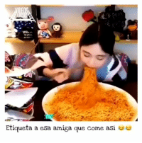 Crazy, Fail, and Fall: Etiqueta a esa amiga que come asi No puedo con este video😂 JAJAJAJA😂😂 ¡Sígueme @mehasjodido para mucho más! MENCIONA A TUS AMIGOS!👇 _ fun funny vine girl boy photooftheday instasize awesome water crazy mad happy followforfollow likeforlike passion smile travel adventure jump fail fall fit fitness healthy me instagood instadaily instamood