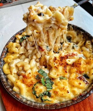 Instagram, Tumblr, and Blog: everybody-loves-to-eat:  (source)  NoKraft mac and cheese eat the whole pot