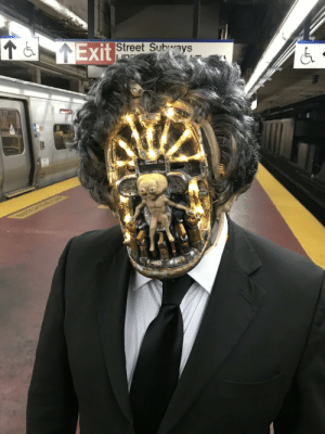 failnation:  An Arquillen from Men In Black in NYC.: Exit  Street Subways failnation:  An Arquillen from Men In Black in NYC.