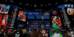 Where would your team pick if the season ended today?  CURRENT 2020 @NFLDraft Order: https://t.co/4eXqaTUkaQ https://t.co/yktExSw3dG: FEATURING  FEATURING  DILL  DOLPHINS  PATRIOTS  JETS  RAVENS  CuwoUTO  GIANTS  EAGLES  REDSKINS  CBEARS  LIONS  TAKE THE STAGE  १ )।  ELCOME TO THE NFL  NFL  BENGALS  BROWNS  e STEELERS  TEXANS  U COLTS  JAGUARS  DRAFT  G PACKERS  VIKINGS  FALCONS  PANTHERS  SAINTS  TITANS  BUCCANEERS  BRONCOS  CHIEFS  CHARGERS  CARDINALS  RAMS  WACOME TO THE HFL  ASVRLE  DVFT  LAFRS  LYNCH Where would your team pick if the season ended today?  CURRENT 2020 @NFLDraft Order: https://t.co/4eXqaTUkaQ https://t.co/yktExSw3dG