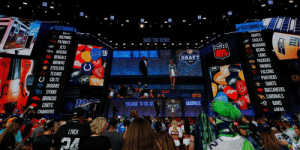 Where would your team pick if the season ended today?  CURRENT 2020 @NFLDraft Order: https://t.co/bjo4aChf2f https://t.co/hZOw5hPiae: FEATURING  FFEATURING  DILLO  CuwoUTO  DOLPHINS  GIANTS  EAGLES  REDSKINS  BEARS  LIONS  PATRIOTS  JETS  RAVENS  BENGALS  BROWNS  e STEELERS  TEXANS  U COLTS  JAGUARS  TAKE THE STAGE  १ )।  ELCOME TO THE NFL  NFL  DRAFT  G PACKERS  VIKINGS  FALCONS  PANTHERS  SAINTS  BUCCANEERS  CARDINALS  RAMS  4AFRS  2015  TITANS  BRONCOS  CHIEFS  WELICOME TO THE HFL  DVFT  CHARGERS  LYNCH  hu Where would your team pick if the season ended today?  CURRENT 2020 @NFLDraft Order: https://t.co/bjo4aChf2f https://t.co/hZOw5hPiae