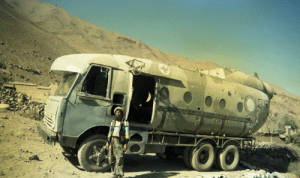 feniczoroark:  shitty-car-mods-daily:  MI-8 Helicopter body turned into a Truck.   @randomnightlord : feniczoroark:  shitty-car-mods-daily:  MI-8 Helicopter body turned into a Truck.   @randomnightlord