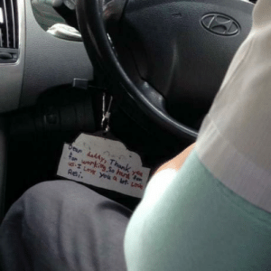 Taxi, Taxi Driver, and Driver: for werkitg So hand fe Taxi driver hanging in there