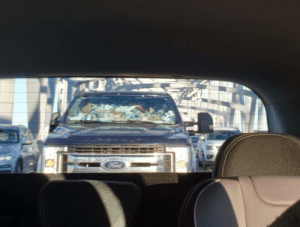 How does one get so (literally) trashy? On a bridge in the middle of rush hour, seriously???: Ford How does one get so (literally) trashy? On a bridge in the middle of rush hour, seriously???
