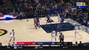 👀 @AndreDrummond showing off the handles!    32 PTS (12-18 FG)  23 REB 4 BLK 3 STL  https://t.co/JwURtaMYG4: FOX  GPORTS  GEICO  BELLE  TIRE  26  60  9:38  12  3rd Qtr  62  PACERS  PISTONS  NKE  10 PM ET  SUNS  KINGS  KaNGS  NBA 👀 @AndreDrummond showing off the handles!    32 PTS (12-18 FG)  23 REB 4 BLK 3 STL  https://t.co/JwURtaMYG4
