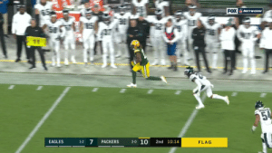 Free play? @AaronRodgers12 will do some damage. @tae15adams picks up 40 yards! #GoPackGo  #PHIvsGB on @NFLNetwork | @NFLonFOX | @PrimeVideo How to watch: https://t.co/32PKxts362 https://t.co/GQ8LKgOWib: FOX NETwoRK  E  25%  3-0 10  7  EAGLES  PACKERS  2nd 10:14  1-2  FLAG Free play? @AaronRodgers12 will do some damage. @tae15adams picks up 40 yards! #GoPackGo  #PHIvsGB on @NFLNetwork | @NFLonFOX | @PrimeVideo How to watch: https://t.co/32PKxts362 https://t.co/GQ8LKgOWib