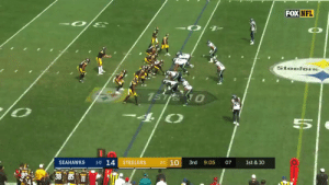 There's a new signal caller at the helm for the @steelers, and he can sling it. 🎯  @Rudolph2Mason https://t.co/7Uav6MRWpa: FOX NFL  SteelorS  1sTie 0  4/0  1-0 14  01 10  SEAHAWKS  STEELERS  3rd  1st & 10  9:05  07  BA 38 85 There's a new signal caller at the helm for the @steelers, and he can sling it. 🎯  @Rudolph2Mason https://t.co/7Uav6MRWpa