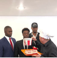 Espn, Memes, and White House: Fried Chicken What would you do if this was your 1st dinner at the White House?😳🤔 Comment what you would do! @stephanosway @dantechang @tshimanga369 @espn trump whitehouse why fastfood espn collegefootball juhahnjones