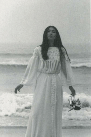 fuckyeahmeikokaji: Meiko Kaji (梶芽衣子) From the booklet of the Sareyo Sareyo Kanashimi No Shirabe (去れよ、去れよ、悲しみの調べ) LP, released in 1974. http://fuckyeahmeikokaji.tumblr.com/ : fuckyeahmeikokaji: Meiko Kaji (梶芽衣子) From the booklet of the Sareyo Sareyo Kanashimi No Shirabe (去れよ、去れよ、悲しみの調べ) LP, released in 1974. http://fuckyeahmeikokaji.tumblr.com/