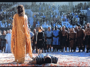 In Gladiator (2000) you can see that they piled up the dirt under Russel Crowe's (Maximus) head when lying on the ground: G In Gladiator (2000) you can see that they piled up the dirt under Russel Crowe's (Maximus) head when lying on the ground