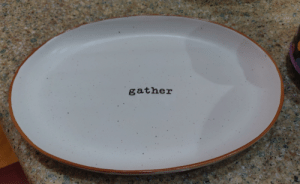 This plate design makes it look dirty: gather This plate design makes it look dirty