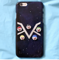 Get five paladins to guard your phone from meteors, explosions, battles and the like. You know, everyday stuff. Check out this epic DIY Voltron Legendary Defender Phone Case by @puddingfishcakes! sponsored: Get five paladins to guard your phone from meteors, explosions, battles and the like. You know, everyday stuff. Check out this epic DIY Voltron Legendary Defender Phone Case by @puddingfishcakes! sponsored