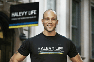 "meme-mage:    Jeff Halevy's top tips to getting trim & slim    Celebrity trainer Jeff Halevy, founder of the Halevy Life fitness center on the upper East Side, works with people in need of everyday miracles — from weight loss to restoring balance in their busy lives. Here's his tips to making 2013 your slimmest year yet. 1. Avoid the 3 Bs. ""Foods that come in a box, bag or are bread or bread-like,"" Halevy says. ""These foods tend to be not only the most processed foods, but those that contribute most to our expanding waistlines."" 2. Don't overwhelm yourself. ""Identify the smallest change you can commit to for a small period of time."" —> More tips : HALEVY LIFE  FITNESS THAT WORKS FOR YOURU meme-mage:    Jeff Halevy's top tips to getting trim & slim    Celebrity trainer Jeff Halevy, founder of the Halevy Life fitness center on the upper East Side, works with people in need of everyday miracles — from weight loss to restoring balance in their busy lives. Here's his tips to making 2013 your slimmest year yet. 1. Avoid the 3 Bs. ""Foods that come in a box, bag or are bread or bread-like,"" Halevy says. ""These foods tend to be not only the most processed foods, but those that contribute most to our expanding waistlines."" 2. Don't overwhelm yourself. ""Identify the smallest change you can commit to for a small period of time."" —> More tips"