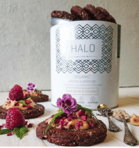 "Anaconda, Baked, and Halo: HALO  ORGANIC  PROTEIN SUPERFO0D  RAW CACA0 & COCONUT  URANIC VEGETARIAN <p><a href=""http://lol-coaster.tumblr.com/post/163922233287/swheys-halo-protein-powder-is-one-of-the-highest"" class=""tumblr_blog"">lol-coaster</a>:</p><blockquote> <p>Swhey's Halo protein powder is one of the highest quality protein powders on the market due to its organic, non-GMO ingredients, and fair trade cocoa and its phenomenal taste in baked goods. The formula is unique to the Swhey brand name and is mixed and packaged in the United States, so when you buy from Swhey, you'll never be purchasing a premade, premixed, overseas packaged product other companies have sold under their own brand name. Swhey's products are 100% original, made in house.   <br/></p> <p><a href=""https://swhey.com/products/halo"">https://swhey.com/products/halo</a><br/></p> </blockquote>"