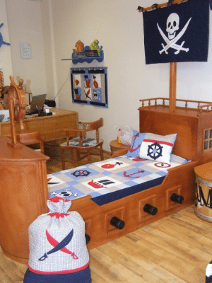handmadegift-ideas:    NAUTICAL Ship's Bedding into Children's Room - Pirate Quilt Blanket, Pirate Wall Hanging, Bag, with a skull applicated Flag   : handmadegift-ideas:    NAUTICAL Ship's Bedding into Children's Room - Pirate Quilt Blanket, Pirate Wall Hanging, Bag, with a skull applicated Flag