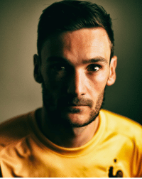 Happy 30th birthday to @equipedefrance and @spursofficial captain Hugo Lloris! HappyBirthday JoyeuxAnniversaire Lloris Spurs France LesBleus WorldCup: Happy 30th birthday to @equipedefrance and @spursofficial captain Hugo Lloris! HappyBirthday JoyeuxAnniversaire Lloris Spurs France LesBleus WorldCup