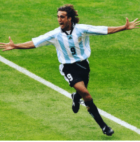 Memes, World Cup, and Copa America: Happy 48th birthday to Gabriel Batistuta! One of the best strikers of his generation, the Argentinean won two Copa America tournaments in a row, as well as in the inaugural FIFA Confederations Cup. In addition, the powerful forward participated in three consecutive FIFA World Cups with La Albiceleste, scoring no fewer than ten goals in the process. Batistuta is the only player in history to score two hat-tricks in different FIFA World Cup editions (against Greece in 1994 and against Jamaica in 1998). HappyBirthday FelizCumpleaños Batistuta Batigol WorldCup ConfedCup Argentina Albiceleste legend @afaseleccion @acffiorentina @officialasroma