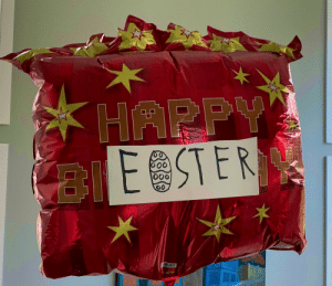 My sister finds the best ways to save on decorations https://t.co/MGriY2Chbk: HAPPY  ESTER  o0 My sister finds the best ways to save on decorations https://t.co/MGriY2Chbk