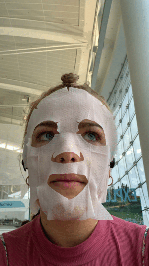 Heard we're all supposed to wear masks at the airport. I don't really know how this is gonna help but my skin feels great: Heard we're all supposed to wear masks at the airport. I don't really know how this is gonna help but my skin feels great