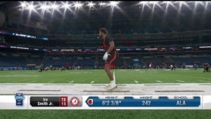 "Memes, School, and 🤖: HEIGHT  WEIGHT  SCHOOL  TE  Smith Jr. 15  rv  6'2 3/8""  242  ALA Irv Smith Jr. going through the gauntlet drill with ease 👏 @AlabamaFTBL  📺: #NFLCombine on @nflnetwork https://t.co/JfcsVd5Abq"