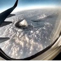 hickey-hiccups:  the-jackals:  opeltuner:  eatingisfab:  bestviralposts:  Breathtaking view from above FUJI MOUNTAIN JAPAN  😱     😱     😱    credit to: endless motion / ig  i wanna see this someday omg 3   Awesome view, nice   It's pretty fucking mind blowing.   Someone go to Japan with me : hickey-hiccups:  the-jackals:  opeltuner:  eatingisfab:  bestviralposts:  Breathtaking view from above FUJI MOUNTAIN JAPAN  😱     😱     😱    credit to: endless motion / ig  i wanna see this someday omg 3   Awesome view, nice   It's pretty fucking mind blowing.   Someone go to Japan with me