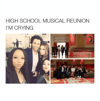 Ryan is there too U just can't see him bc of the cropping: HIGH SCHOOL MUSICAL REUNION  I'M CRYING  GA  WILDCATS Ryan is there too U just can't see him bc of the cropping