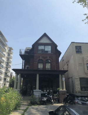"hiphopmemes:  The Weeknd's real ""House of Balloons"" he lived in while recording that project in Toronto (not sure if many people know this exists): hiphopmemes:  The Weeknd's real ""House of Balloons"" he lived in while recording that project in Toronto (not sure if many people know this exists)"