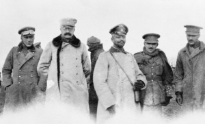 historynet:  British officers of the Northumberland Hussars meet with their German counterparts in No Mans Land, Christmas Day, 1914 [961x581] (Full story of the Truce in comments): historynet:  British officers of the Northumberland Hussars meet with their German counterparts in No Mans Land, Christmas Day, 1914 [961x581] (Full story of the Truce in comments)