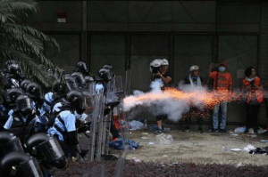Hong Kong Police shooting rubber bullets at unarmed citizens without warning. credit to u/IrfanMirza: Hong Kong Police shooting rubber bullets at unarmed citizens without warning. credit to u/IrfanMirza