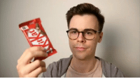 How to eat a KitKat properly https://t.co/71CUk3qRGn: How to eat a KitKat properly https://t.co/71CUk3qRGn