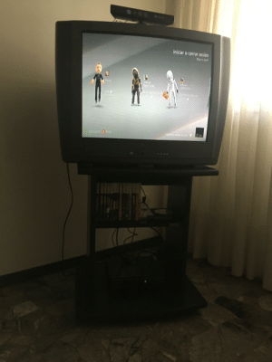 I found an old tv lying in my house and I decided to plug my xbox 360 into it: I found an old tv lying in my house and I decided to plug my xbox 360 into it