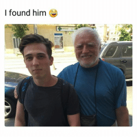 Memes, 🤖, and How: I found him Does he know how famous he is 😂 • ➫➫ Follow @savagememesss for more posts daily