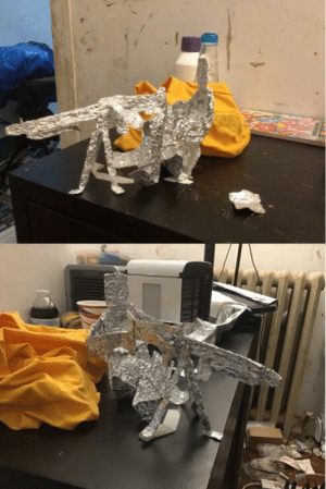 I made an mg42 with a tripod out of aluminum foil ( with guy! ): I made an mg42 with a tripod out of aluminum foil ( with guy! )