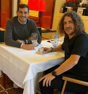 Iker Casillas invited this homeless man to eat for free at his restaurant.  Massive respect 👏 https://t.co/zImO74BlLo: Iker Casillas invited this homeless man to eat for free at his restaurant.  Massive respect 👏 https://t.co/zImO74BlLo