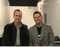 Peyton Manning delivering a pizza to Tom Brady after the Patriots beat the Broncos: iliateii Peyton Manning delivering a pizza to Tom Brady after the Patriots beat the Broncos